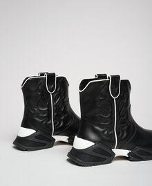 Sneakers texane alte con ricamo Nero Donna 192TCT114-03