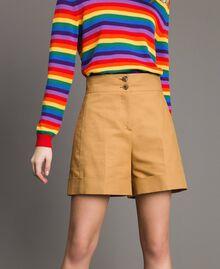 """Shorts aus technischer Baumwolle """"Mid Tan"""" Braun Frau 191TP2182-04"""