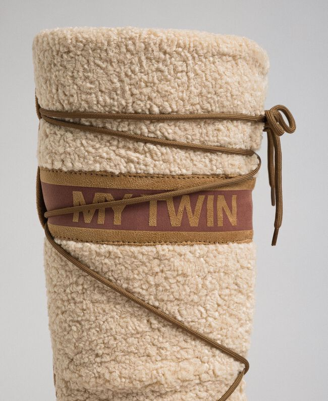 Stivali in faux fur con lacci e logo Nocciola Irish Cream Donna 192MCT180-03
