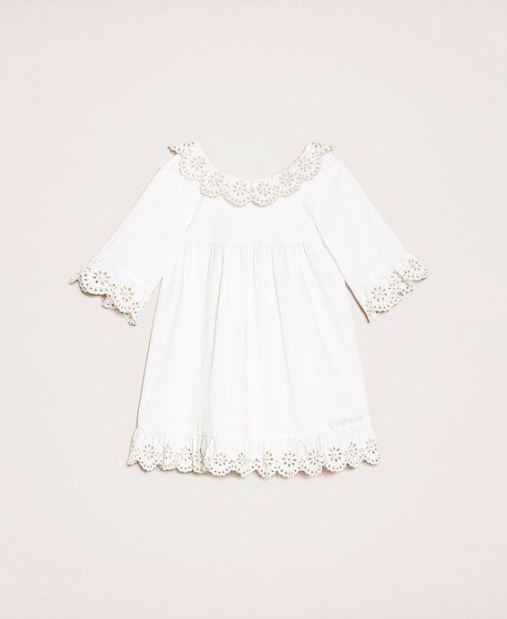 Поплиновое платье с вышивкой сангалло