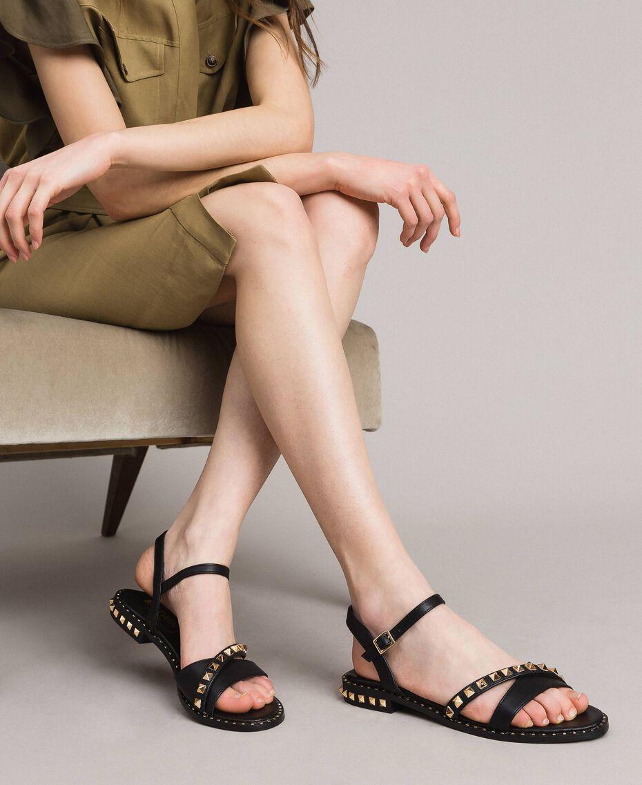 Sandalias de piel sintética con tachuelas Negro Mujer 191MCP192-0S