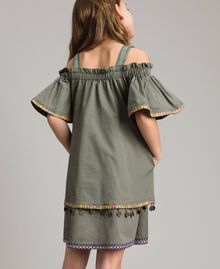 Baumwollkleid mit Mini-Medaillen Tundra-Grün Kind 191GJ2073-03