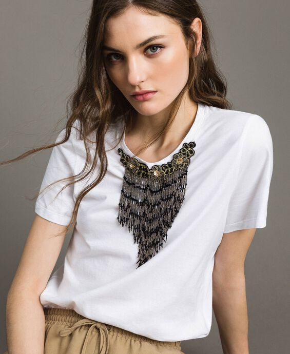 Embroidery and fringe T-shirt
