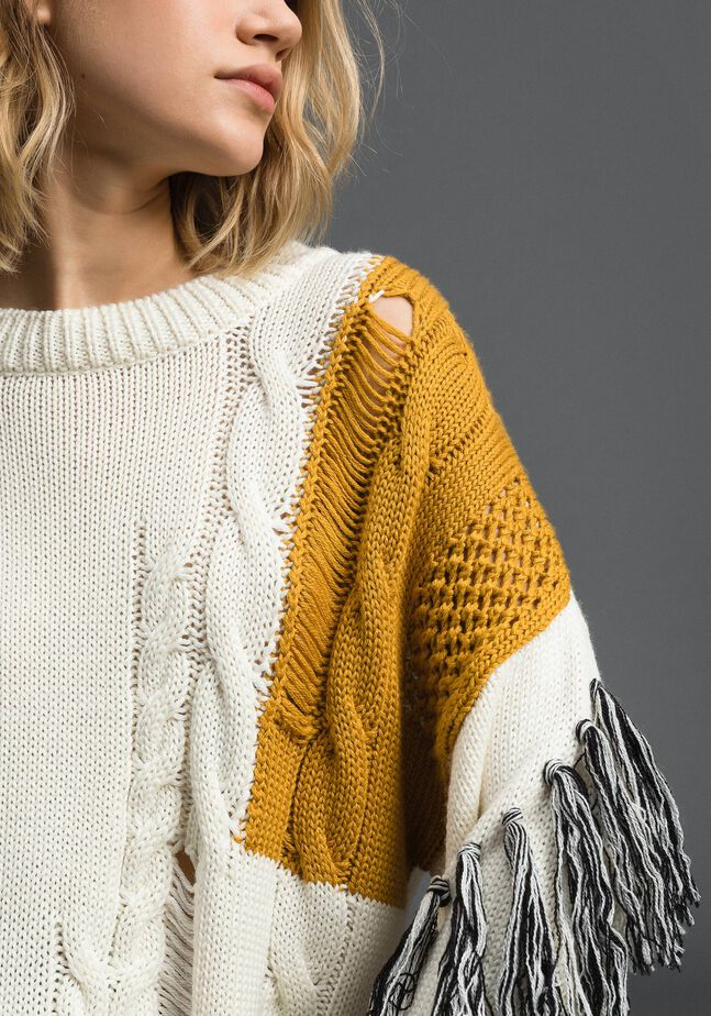 Pullover mit Zopfmuster und Fransen