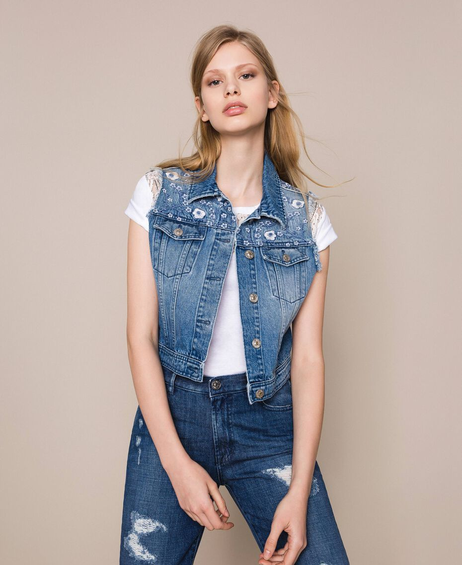 Blouson sans manches en jean avec broderie florale Bleu Denim Femme 201MT2220-02