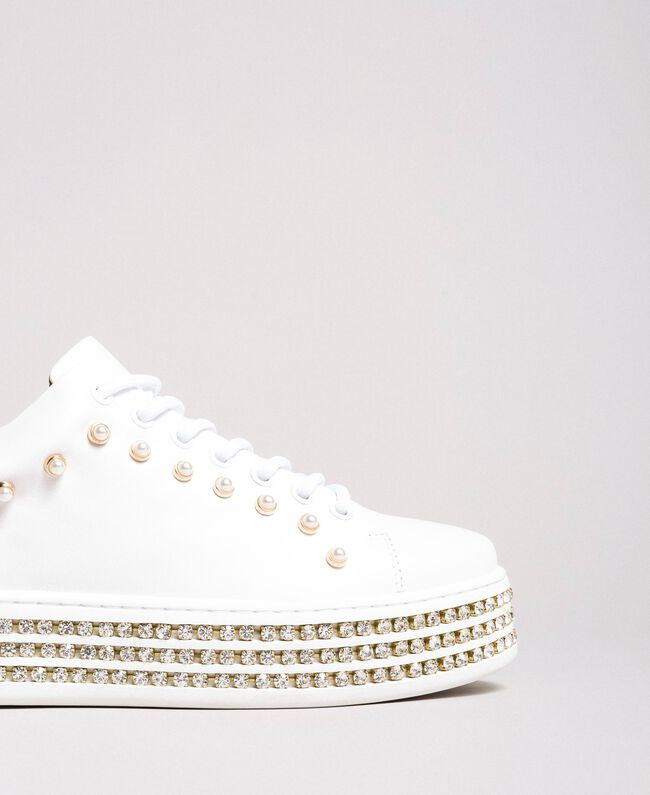 Sneakers in pelle con strass e perle Bianco Donna 191TCP166-05