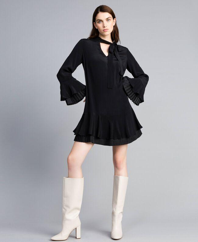 Robe courte en soie mélangée avec plissé Noir Femme TA823S-01