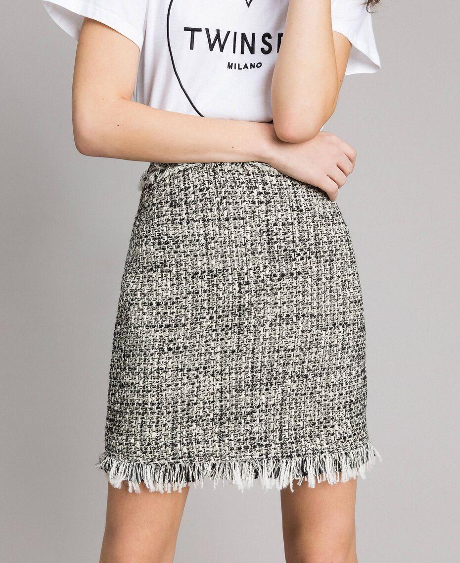 """Minijupe en tweed avec franges Bicolore Bouclé Blanc """"Neige"""" / Noir Femme 191TP2527-01"""