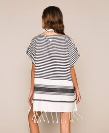 Jacquard poncho with stripes and fringes Ivory / Black Woman 201LM4ZCC-03