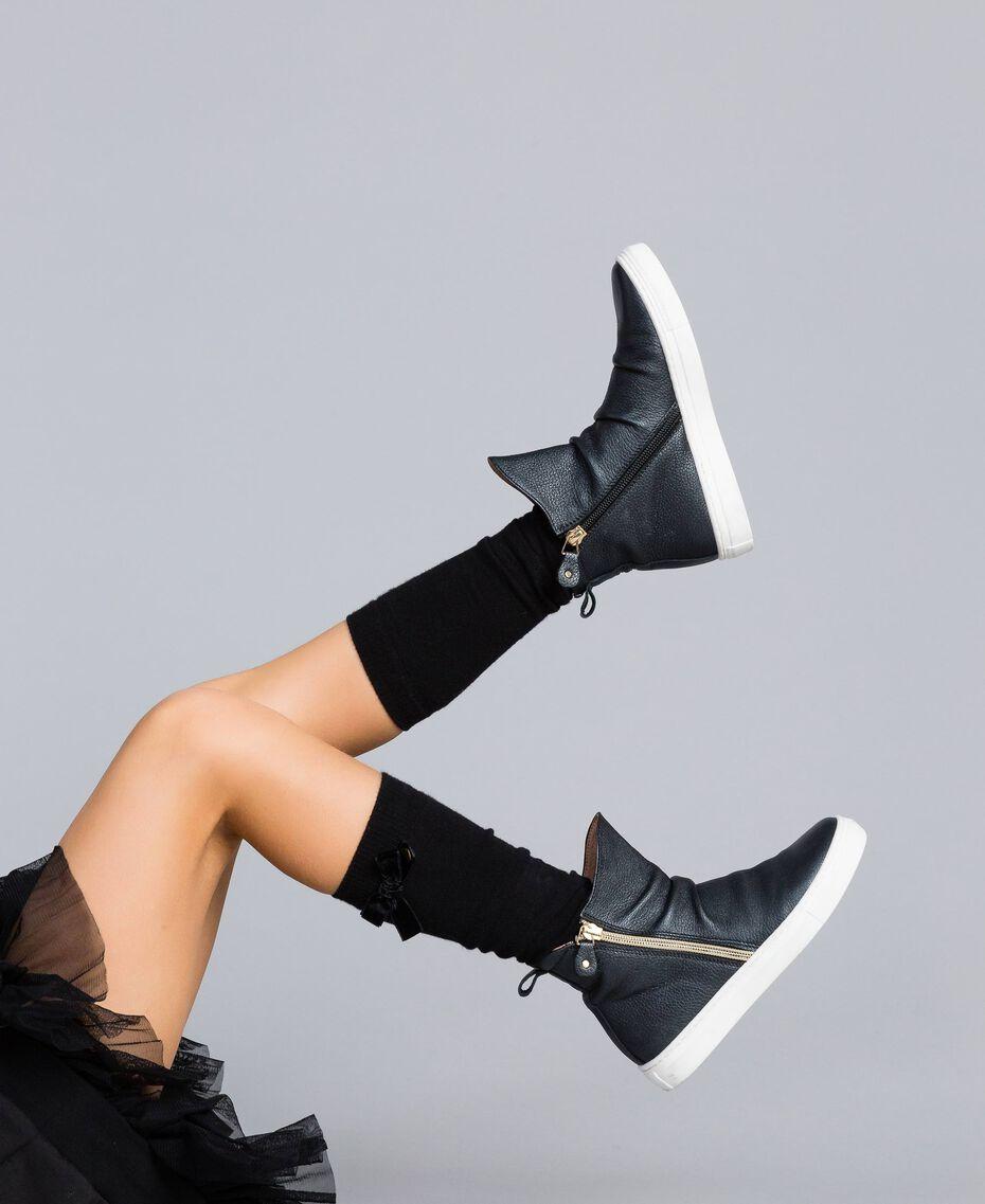 Baskets modèle bottines en cuir Noir Enfant HA88B1-0S