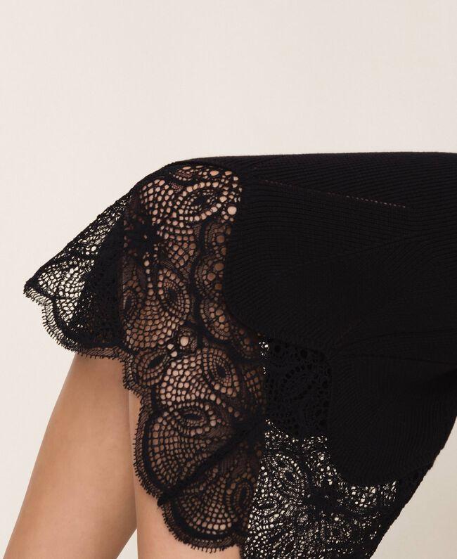 Платье-футляр в рубчик с кружевом Черный женщина 201TP3120-04