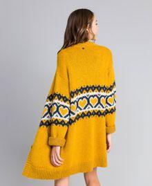Maxicardigan mit Jacquardherzen Golden Yellow Frau YA8311-03
