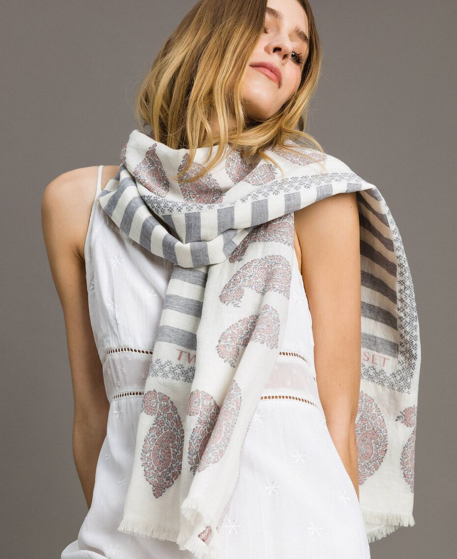 "Cotton and linen keffiyeh Black / ""Snow"" White Jacquard Woman 191TO5301-0S"