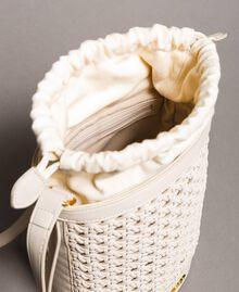 Beuteltasche aus geflochtenem Lederimitat Weiß Schnee Frau 191TO8011-05