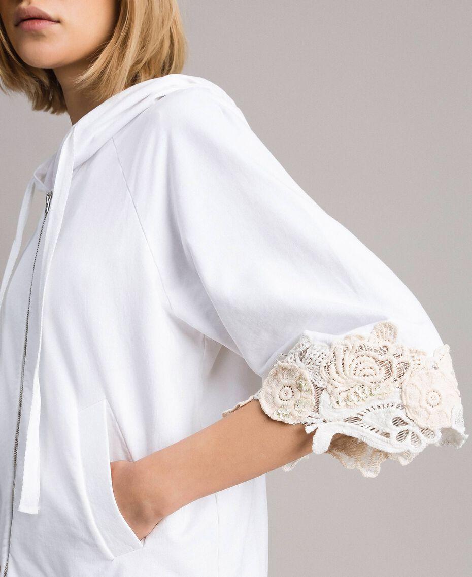 Sweat-shirt avec patchs floraux brodés Blanc Femme 191TT2211-02