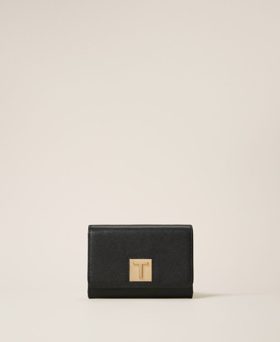 Leather wallet with flap Black Woman 202TD8043-02