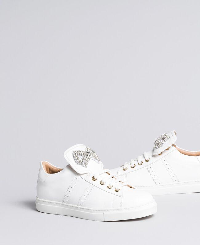 Sneakers in pelle bicolore con patch fiocco Bianco Donna CA8PBG-01