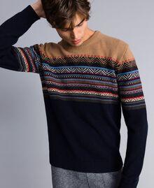 Pull en laine mélangée jacquard multicolore Jacquard Marron Caramel / Bleu Nuit Homme UA83HP-03