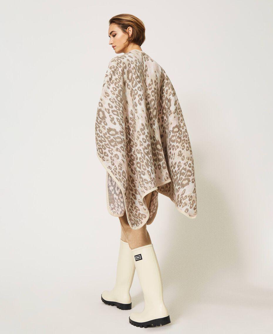"Animal print jacquard wool cloth poncho ""Dune"" Beige Animal Print Woman 202MA432F-01"