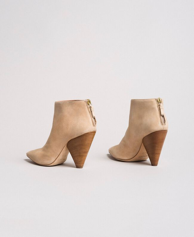 "Suede ankle boots ""Mid Tan"" Brown Woman 191TCP130-03"