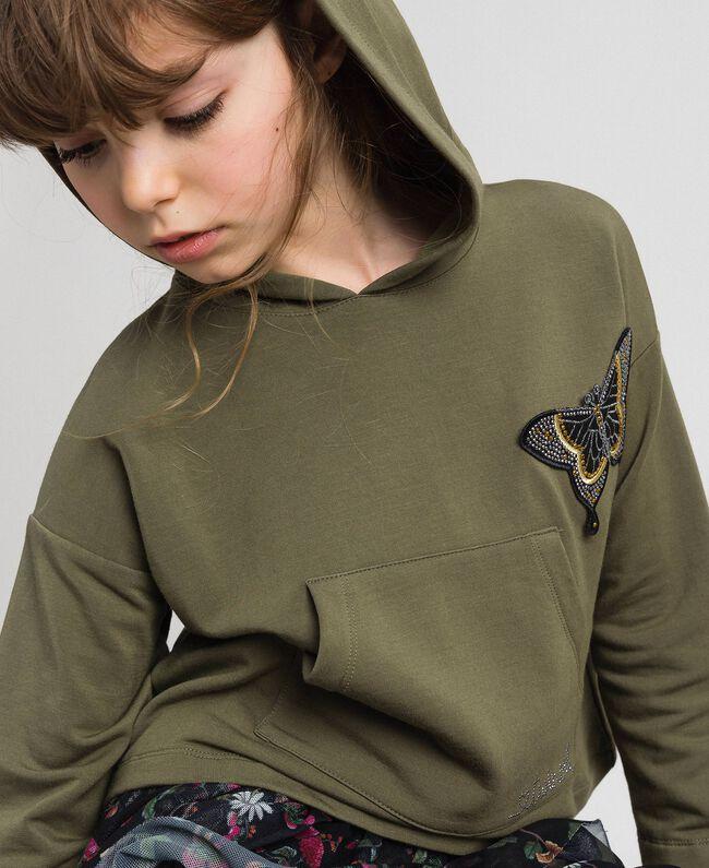 Sweat à capuche avec patch papillon Vert «Alpin» / Imprimé Camouflage Enfant 192GJ2560-01