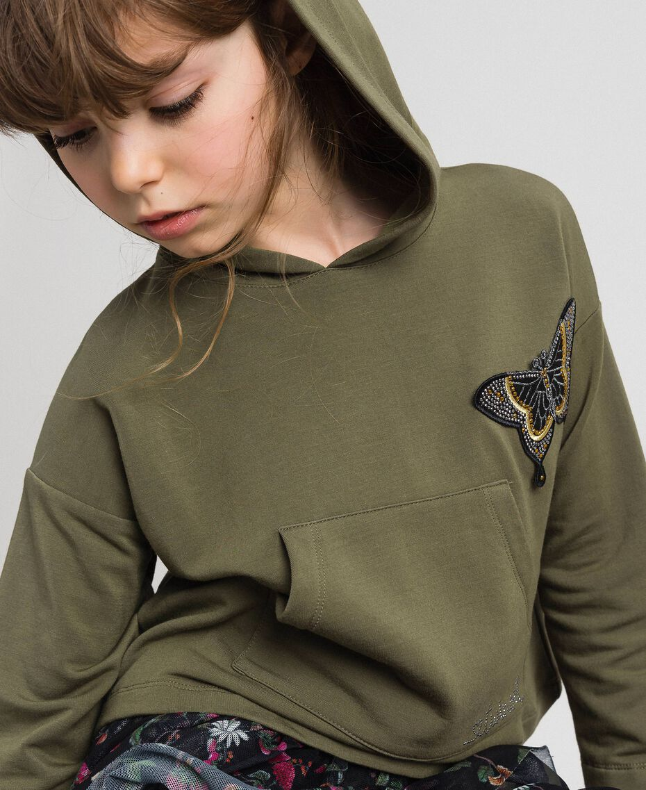 Kapuzensweatshirt mit Schmetterling-Patch Alpingrün / Camouflageprint Kind 192GJ2560-01