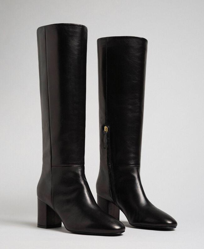 Hoher Stiefel aus Leder Rote-Bete-Rot Frau 192TCP100-01