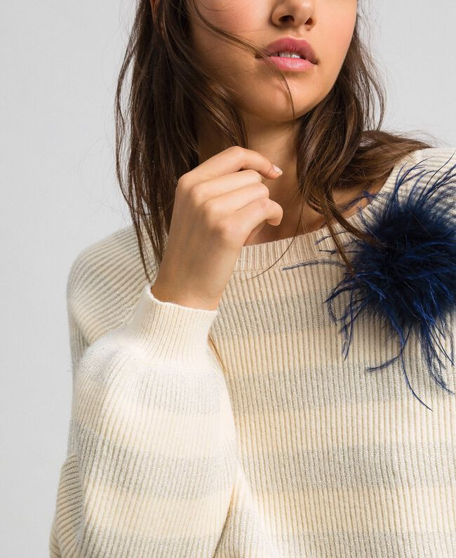 Pull à rayures bicolores avec lurex et broche Rayé Blanc «Crème» / Argent Femme 192ST3080-04