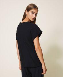 T-shirt avec étoile brodée Noir Femme 202TP246A-03