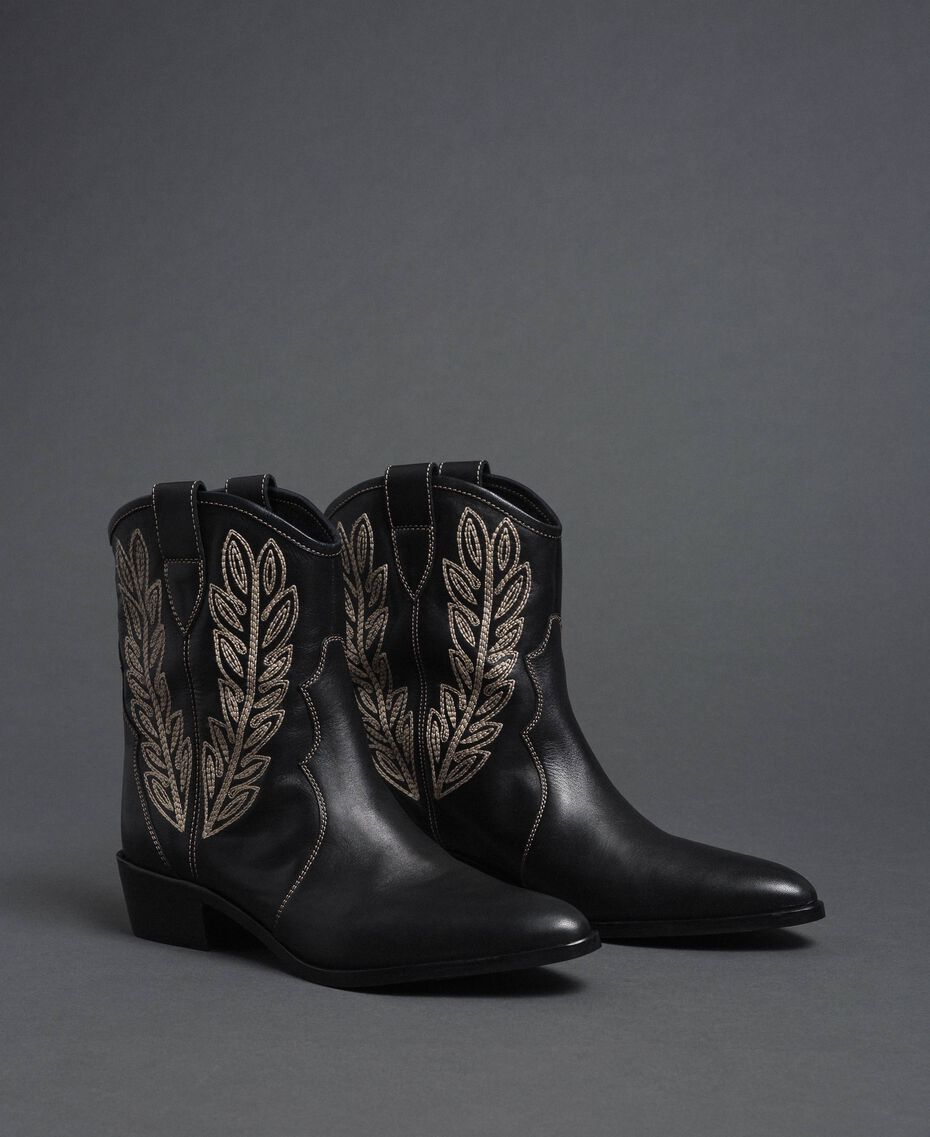 Texas ankle boots with embroidery Black Woman 192TCT06C-03
