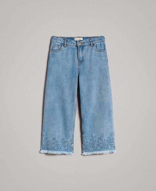 Weite Jeans mit Lochstickerei-Verzierung Helles Denim Kind 191GJ2250-01