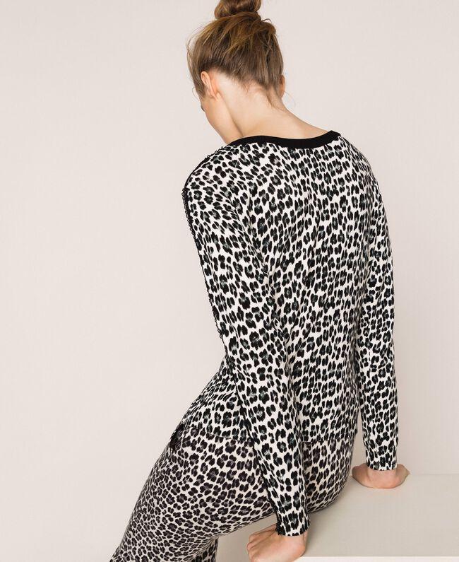Трикотажная кофта-кардиган с животным принтом Принт Животный Лилия / Черный женщина 201MP306A-04