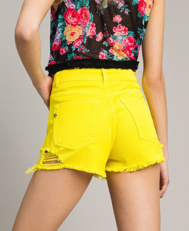 Cotton shorts with ripped details Fluorescent Yellow Woman 191MT2191-04