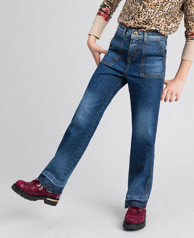 Jeans fatigue con tasche Denim Medio Bambina 192GJ2540-01