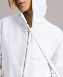 Sweat-shirt avec patchs floraux brodés Blanc Femme 191TT2211-05