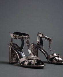 T-Bar-Sandalette aus Metallic-Leder Pythonprint Silber-Metallic Frau 192TCP12J-02