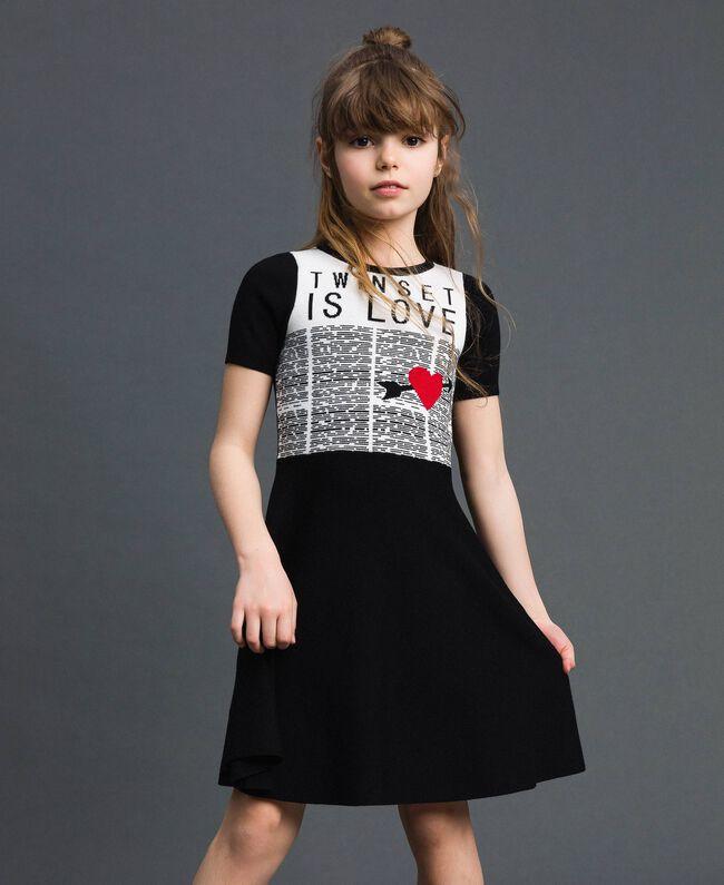 Robe en maille jacquard avec cœur Jacquard Noir / Blanc Cassé Enfant 192GJ3161-01