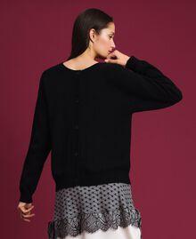 Cardigan-Pullover mit Herz Zweifarbig Schwarz / Schneeweiß Frau 192TP3320-03