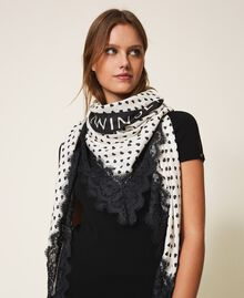 Heart motif print and lace kefiah Cream White / Black Heart Print Woman 202MA432H-0S