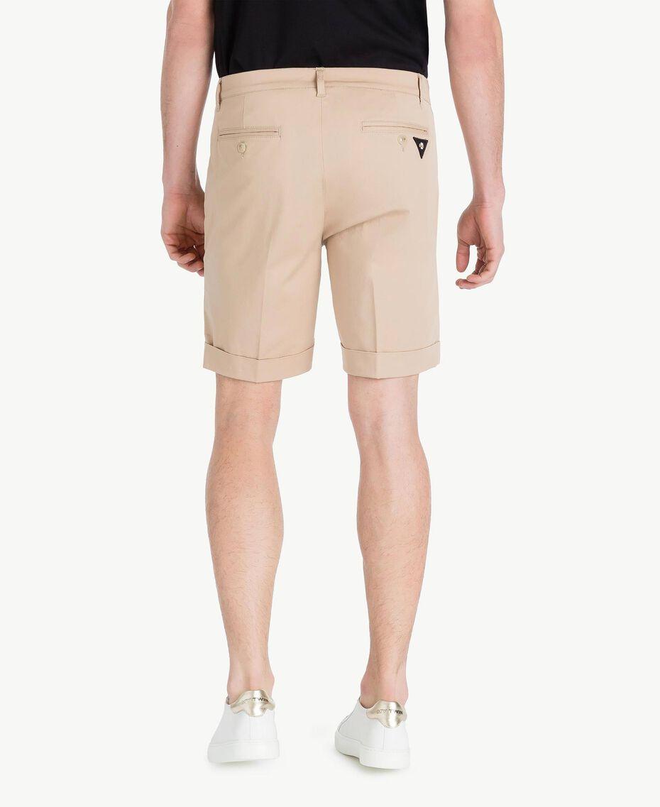 Cotton Bermuda shorts Beige Porcelain Man US824P-03