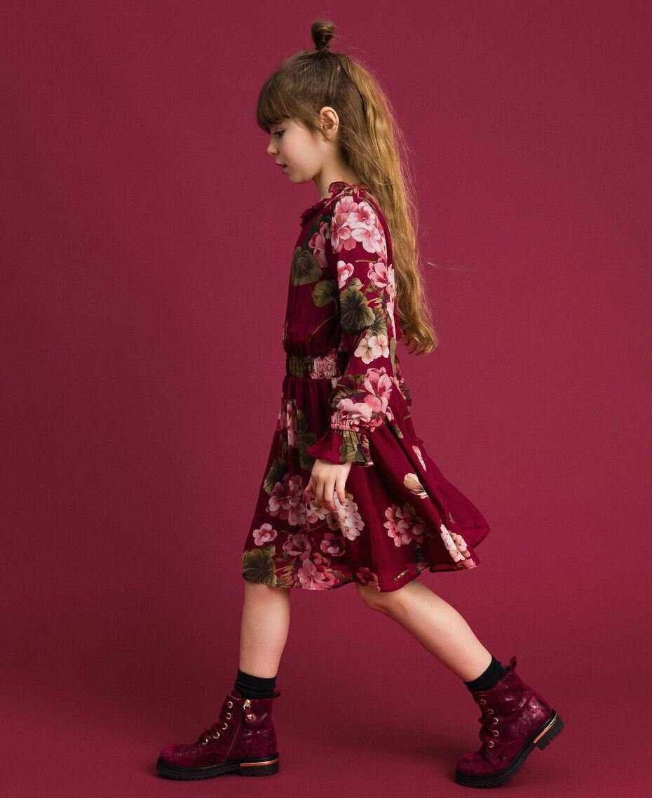 Kleid aus Georgette mit Blumenprint Print Rote-Bete-Rot Geranie Kind 192GJ2592-02
