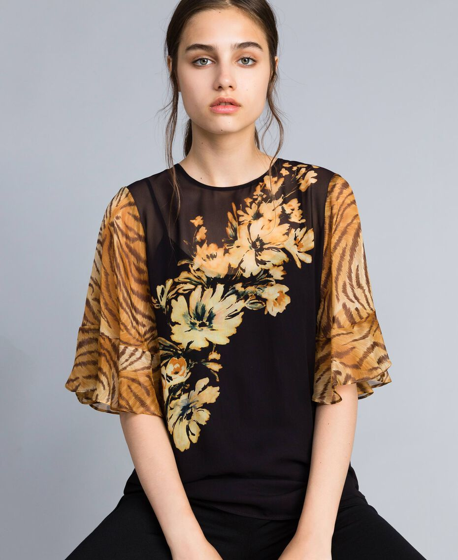 Georgette blouse with mix of prints Flower / Tiger Print Woman TA825D-02
