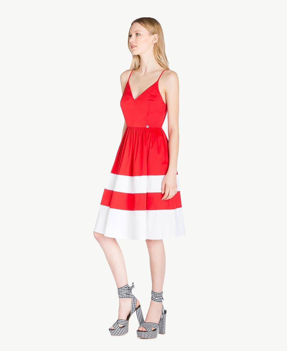Kleid aus Popeline Zweifarbig Feuerrot / Optisches Weiß Frau YS82FA-02