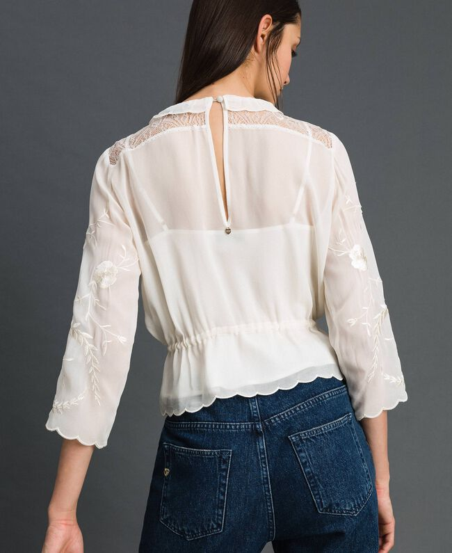 Georgette blouse with embroidery White Snow Woman 192TP2341-03