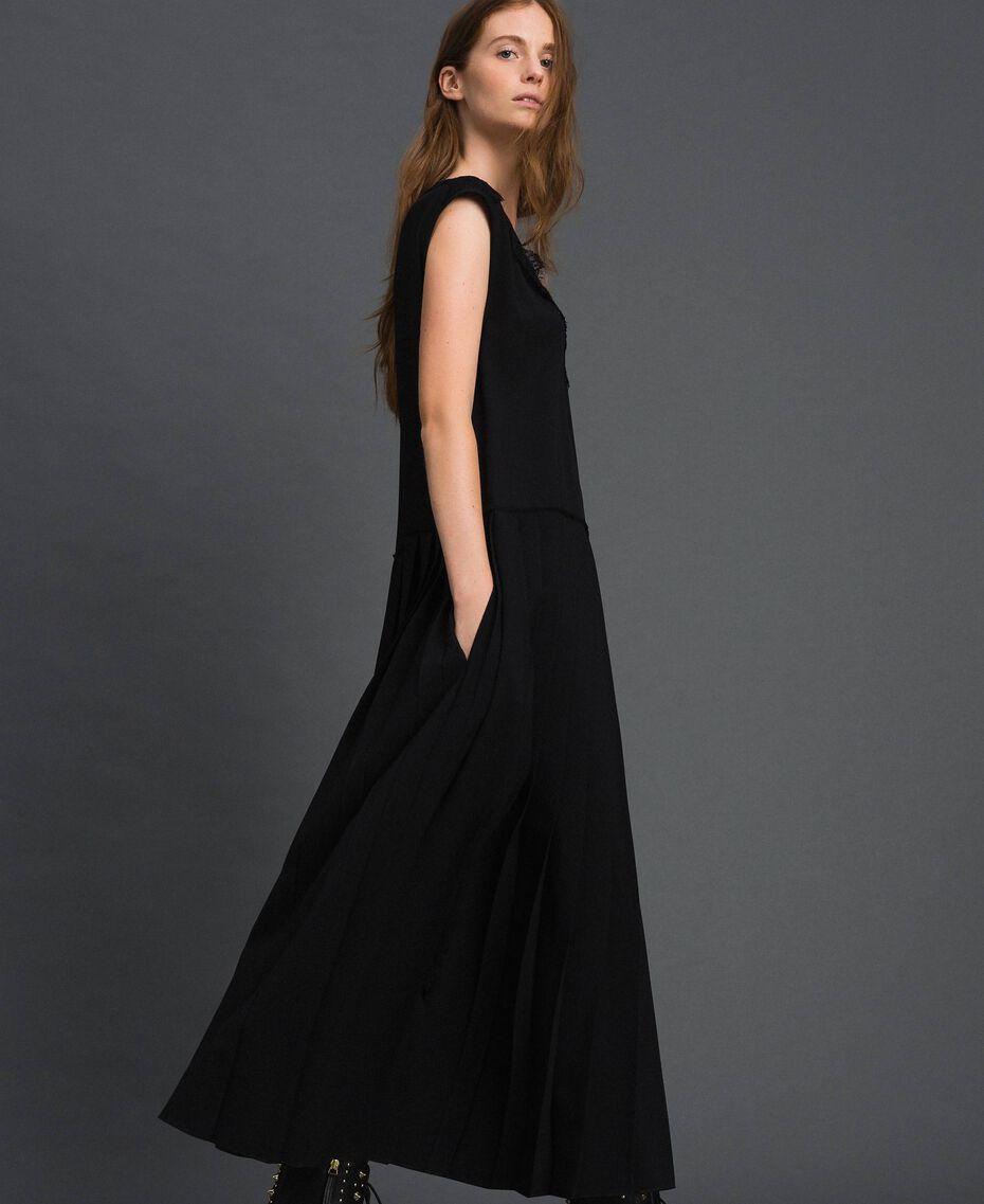 Robe en crêpe de Chine avec dentelle et plissé Noir Femme 192ST208C-02