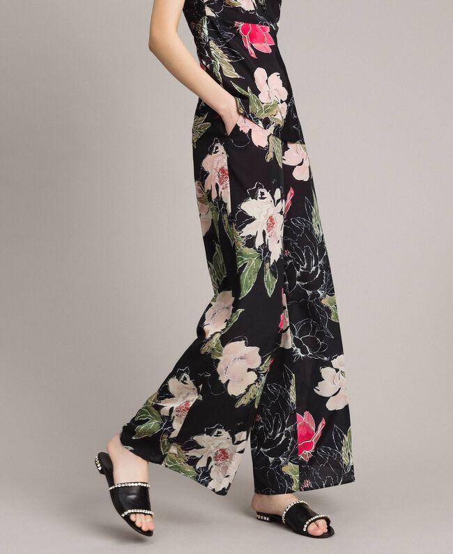 Floral print crêpe de Chine trousers All Over Black Flowers Print Woman 191MT2212-01