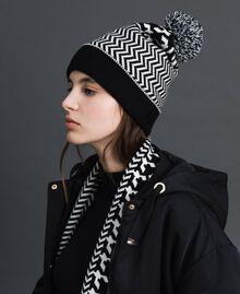 Bonnet en maille jacquard avec pompon Bicolore Lys / Noir Femme 192MO531A-0S