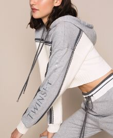 """Cropped jumper with plush inlay and logo Two-tone """"Snow"""" White / Melange Grey Woman 201TP3204-05"""