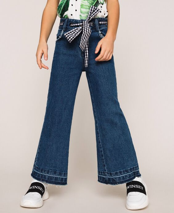 Wide leg jeans with belt