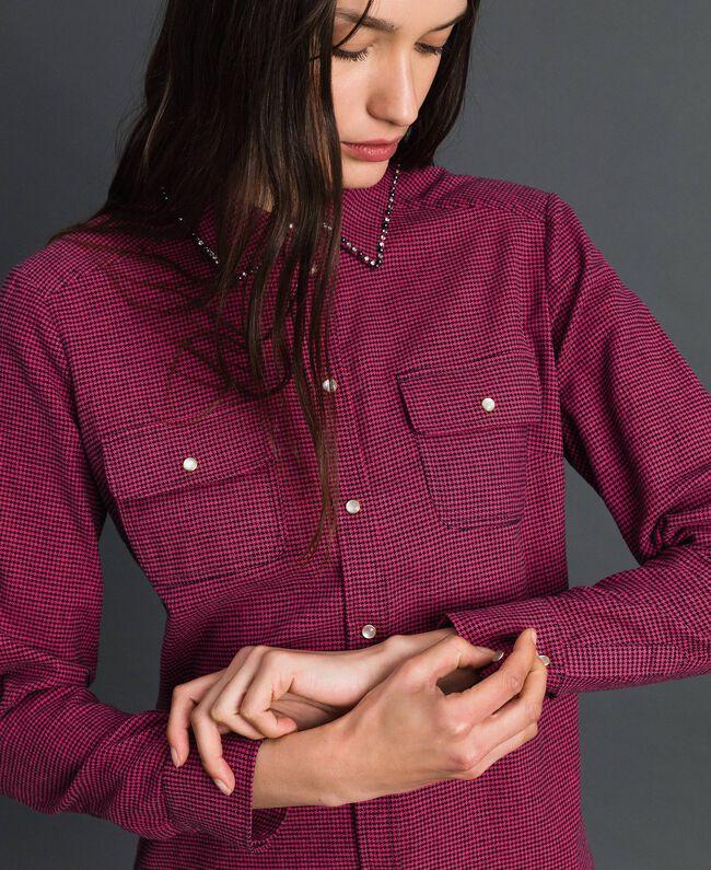 Chemise avec petit motif pied-de-poule Pied de Poule Rose«Rose Brillant» / Noir Femme 192MT2124-04